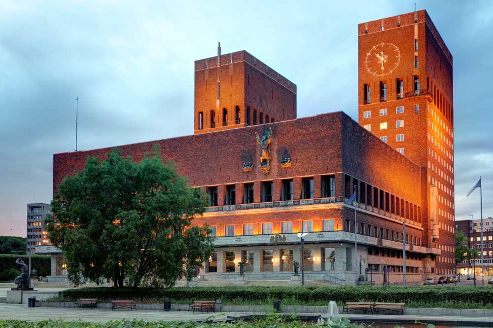 Öffentliche Gebäude und Anlagen
